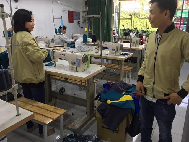 Mỗi một chiếc áo khoác được may tại Thượng Tín là cả quá trình của nhiều bộ phận khác nhau.