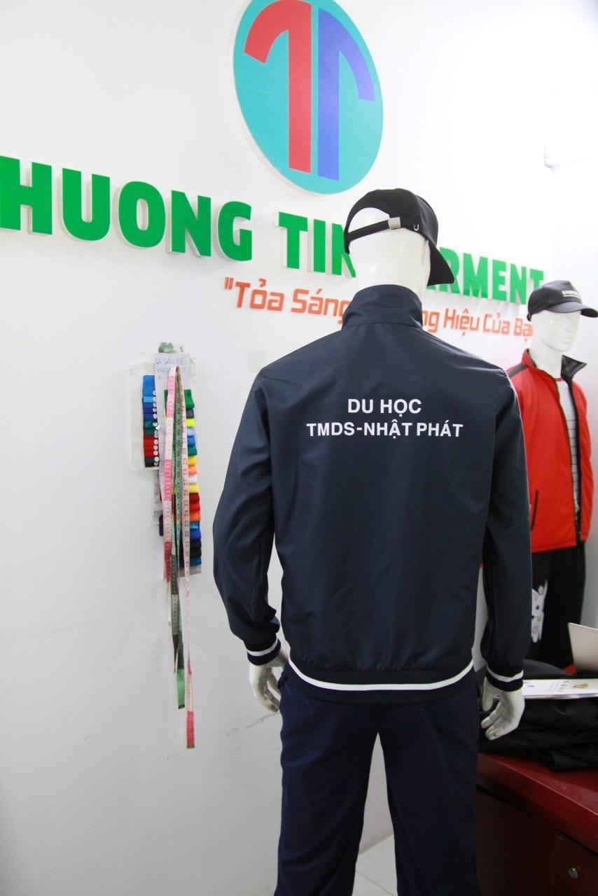 xưởng may áo gió đồng phục